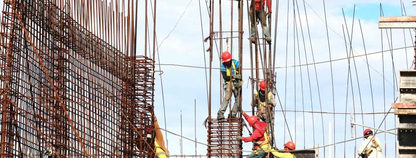 obreros-en-vivienda-sostenible